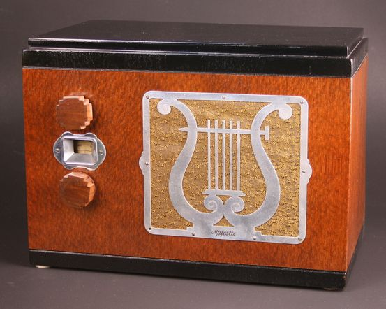 Majestic Model 55 'Duette' Table Radio (1933)