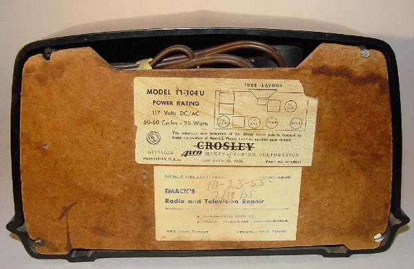 Crosley 11-104U Black Bakelite Table Radio Rear View (1951)