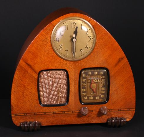 Detrol Model 302 Radio Clock (1939)