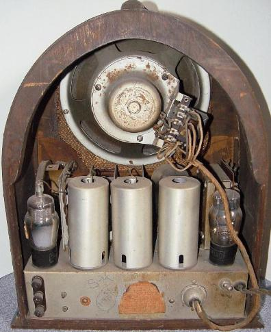 Echophone S-4 Cathedral Radio Rear View (1931)