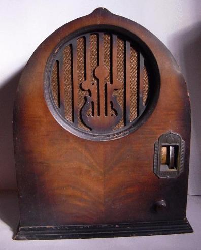 Echophone S-4 Cathedral Radio (1931)