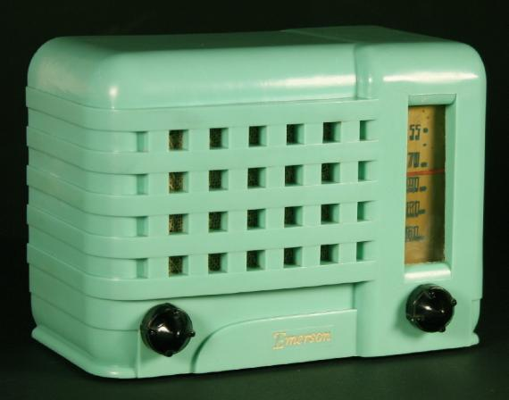 Emerson 540 Radio in mint green plaskon
