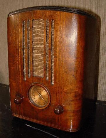 Emerson AD-110 Mini-Tombstone Radio (1935)