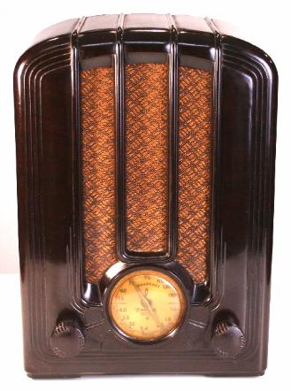 Emerson Model AD-108 in Brown Bakelite (1937)