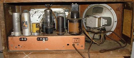 GE FE-112 Table Radio Rear View (1940)