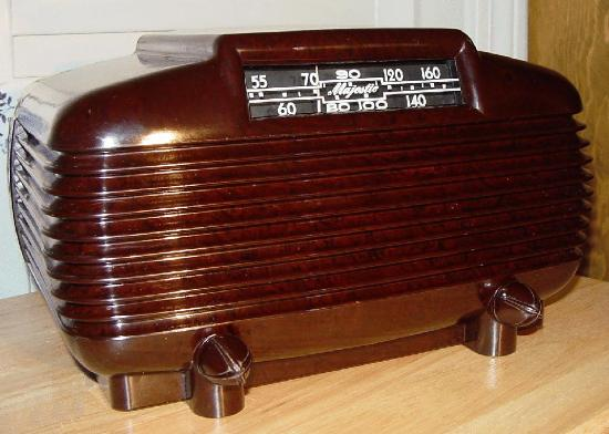 Majestic 5A410 Bakelite Table Radio (1946)