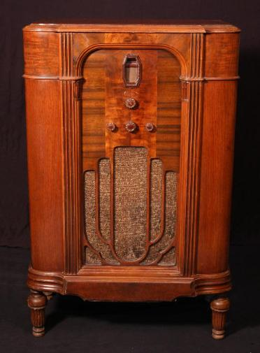 Philco Model 16L LowBoy Console Tube Radio (1933)