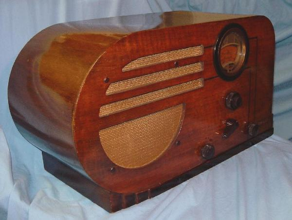 Philco 37-610T Table Radio end view