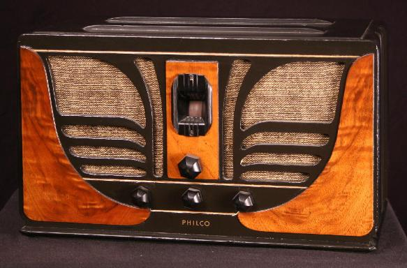 Philco Model 45C 'Butterfly' Table Radio (1934)