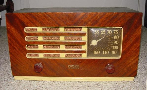 Philco 48-214 Table Radio (1948)