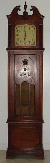 Philco 570 Grandfather Clock Radio (1931)