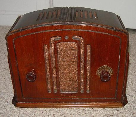 Philco 57C Junior Compact Table Radio (1933)