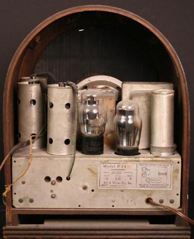 RCA Model R28 Cathedral Tube Radio Chassis View (1933)