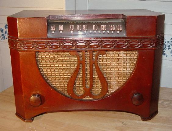 Stromberg Carlson 1101-HM Table Radio (1946)