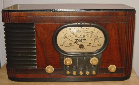 Zenith 5-S-320 Table Radio (1939)