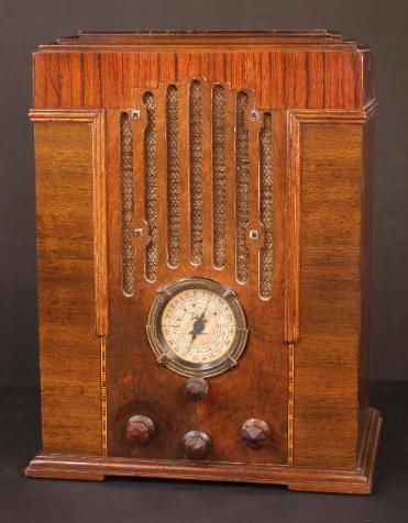 Zenith 808 Airplane-Dial Tombstone Radio (1935)