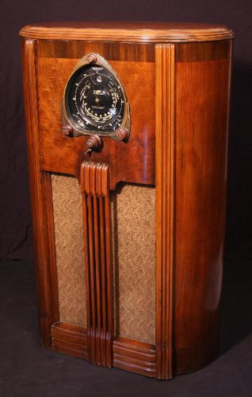 Zenith Model 9-S-263 (9S263) Console Tube Radio (1938)